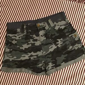 KNOX ROSE camo shorts